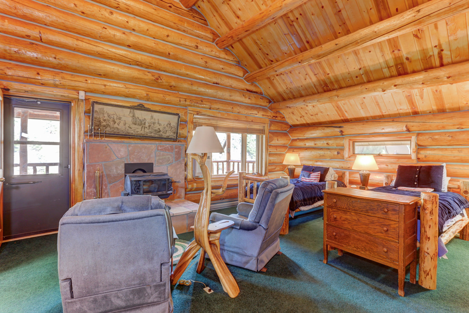 Wonderful image of Log Cabin on Nearly 10 Acres KL Realty with #884020 color and 1500x1000 pixels